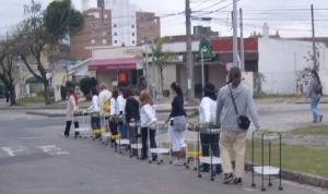 Ação-caminhada dos Jardins Transportáveis inspirada na Guataporã Guarani