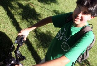 Priscila Forone / Agência Gazeta do Povo / Para Gustavo, de bicicleta se chega sempre mais rápido ao destino