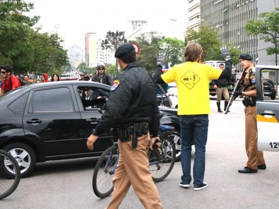 bicicleta e arma